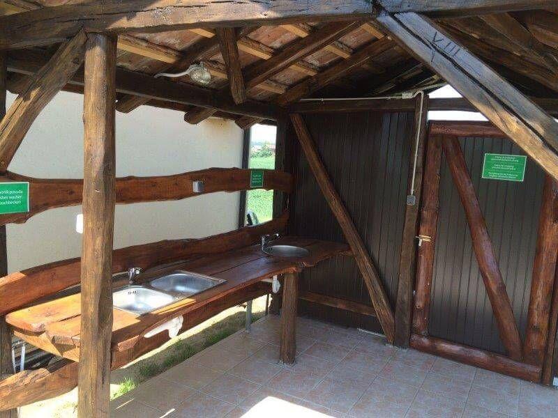 Vinia - Izletište, vinotočje i kamp